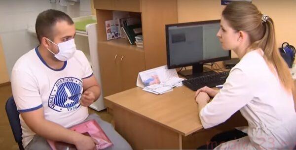 врач рассказывает о признаках пневмонии